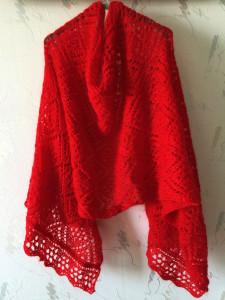 красная-шаль